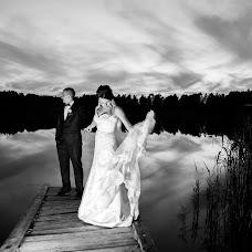 Wedding photographer Olya Khmil (khmilolya). Photo of 24.03.2017