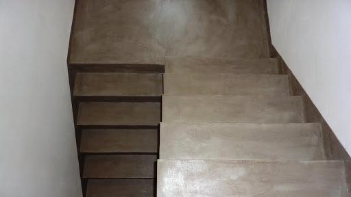 escalier beton cire