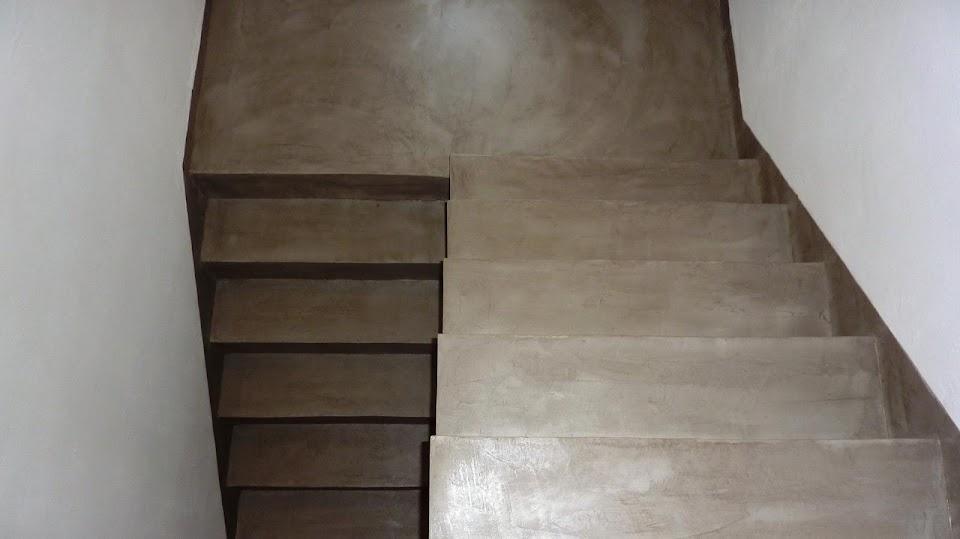 Escaliers enduit de béton ciré décoratif