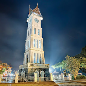 Jam Gadang BIG CLOCK TOWER by Berril Pratama - Landscapes Starscapes ( bukittinggi, clock, west sumatra, night, jam gadang, jam, cityscape, landscape )