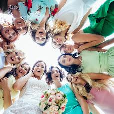 Wedding photographer Anastasiya Podobedova (podobedovaa). Photo of 06.12.2017