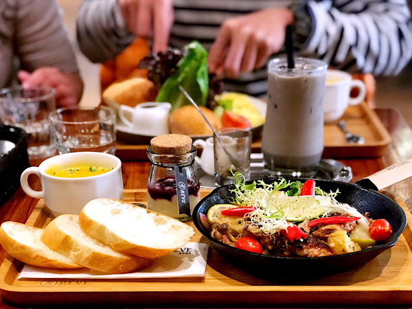 黑浮咖啡 東港店