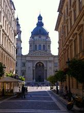 Photo: Bazilika svatého Štěpána v Budapešti je římskokatolická bazilika. Je pojmenována na počest prvního uherského krále a světce Štěpána (975–1038),  jehož mumifikovaná ruka je uložena v relikviáři.