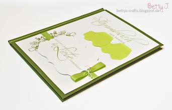 Photo: http://bettys-crafts.blogspot.de/2014/04/stammbuch.html
