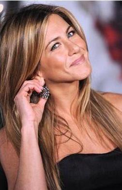 Yabancı Ünlü Kadınların Boyları - Jennifer Aniston