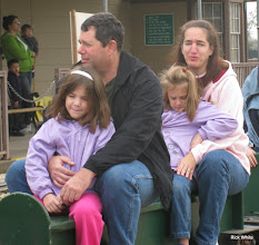 Photo: Darlene (Freitag daughter) and family.     HALS Run Day 2009-1121