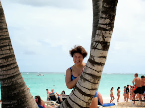 Photo: Олечка за пальмой
