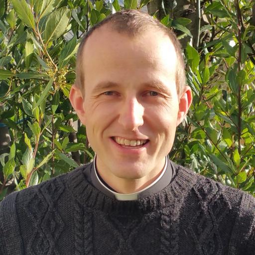 Le Père Timothée Lambert participe au Cross Ouest France pour soutenir L'Arche La Ruisselée !