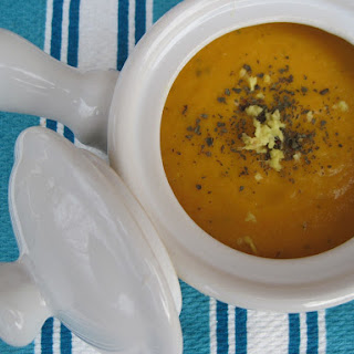 Simple Ginger Carrot Soup
