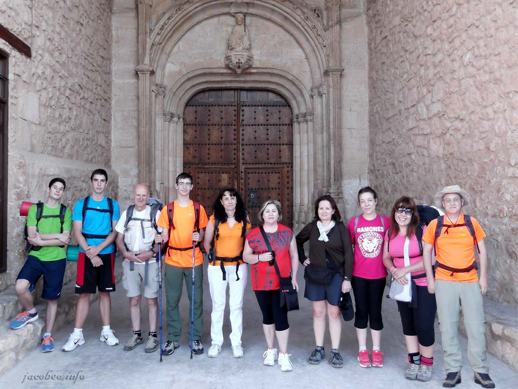 Peregrinos en la Puerta de Santiago