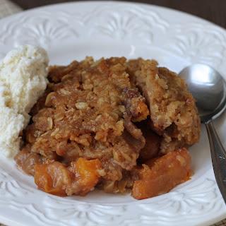 Honey Cinnamon Slow-Cooker Peach Crisp