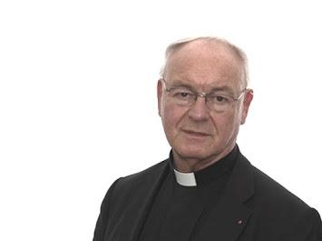 Bischof Algermissen.jpg