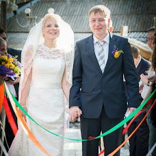 Wedding photographer Veronika Viktorova (DViktory). Photo of 17.07.2014