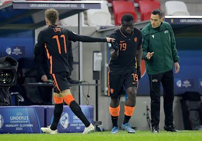 🎥 Problemen voor Nederland en Clement: Noa Lang geblesseerd van het veld bij U21 na botsing met ploegmaat