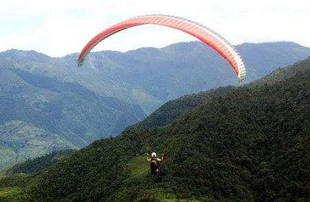 Đèo Khau Phạ diễn ra bay dù lượn trên mùa vàng 2015 - 3