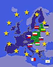 Photo: Computergrafik, EU, Europa, Mitgliedsstaaten  Landkarte, Europäische Union, 10 neue Mitglieder, Flaggen, Landesflaggen, Sterne, Zusammenschluss, Verbindung, Länder, EU-Länder, Politik, europäisch, Staatenverbindung, Organisation, international, Staatenbund, EU-Osterweiterung, Osterweiterung, Mitgliedsländer, Erweiterung, Grafik