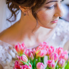 Wedding photographer Valentina Vaganova (VaganovaV). Photo of 27.03.2015