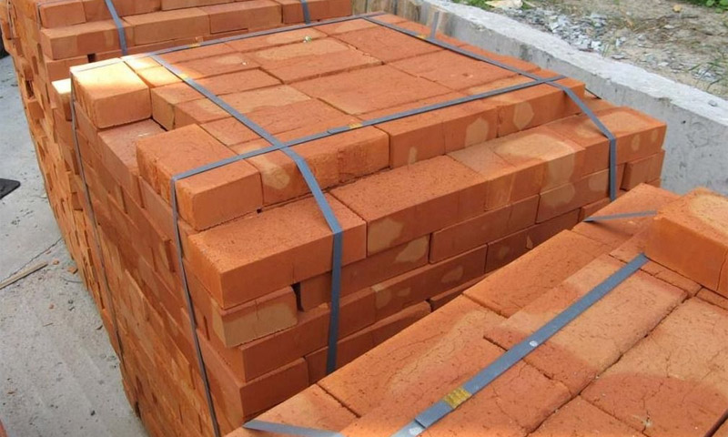 Advantages and disadvantages of ceramic bricks when used in construction