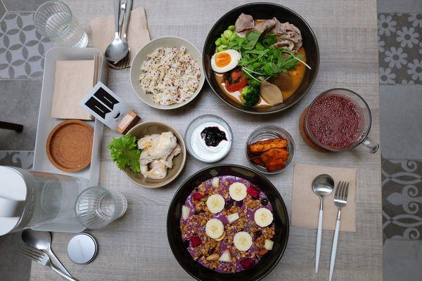 BOWL Fast Slow Food│一碗即一餐│全日餐|低脂餐盒|果昔餐|沙拉。Instagram打卡熱點,近勤美綠園道、草悟道美食