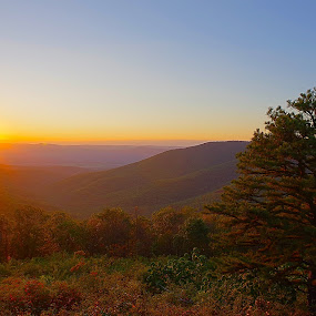 Mountain Sunset by Brian Lord - Landscapes Sunsets & Sunrises ( skyline, mountain, autumn, sunset, landscape )