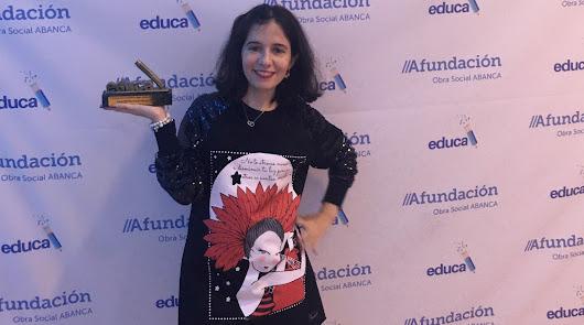 Aurora Soto recoge su premio como una de las diez mejores maestras de España