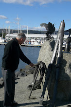 Photo: Look at the rope! Antarctica sculpture, Constitution Dock