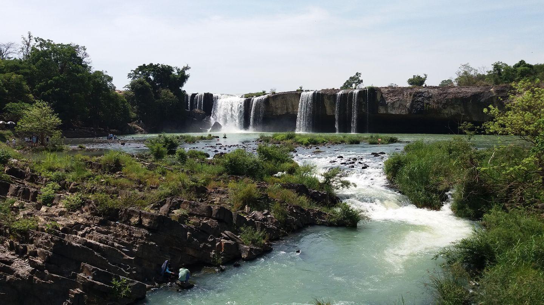 Nằm ở thượng nguồn của sông Sêrêpôk đoạn chạy qua tỉnh Đắk Nông, thác Gia Long là một trong những ngọn thác hùng vỹ nhất của núi rừng Tây Nguyên. Ảnh vov.vn