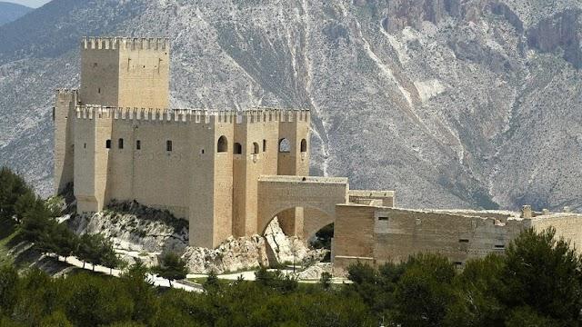 Castillo de Vélez Blanco.