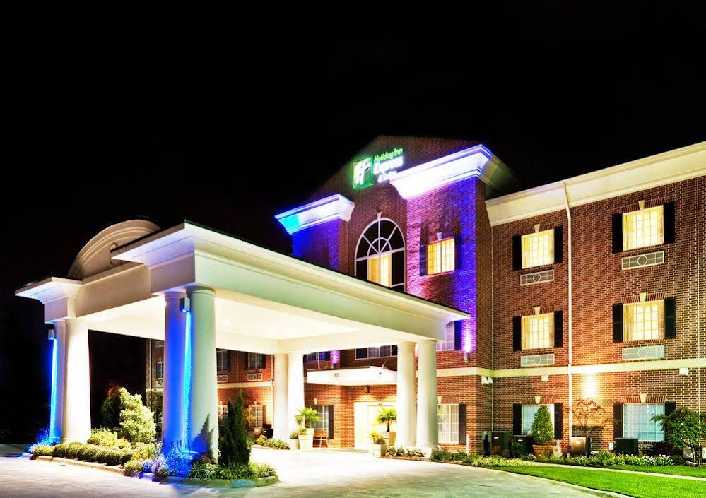 Holiday Inn Express and Suites Sulphur