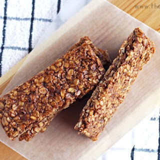Homemade Chocolate & Peanut Butter Granola Bars