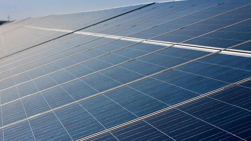 Placas solares para aprovechar que la provincia es una de las zonas europeas con más horas anuales de sol.