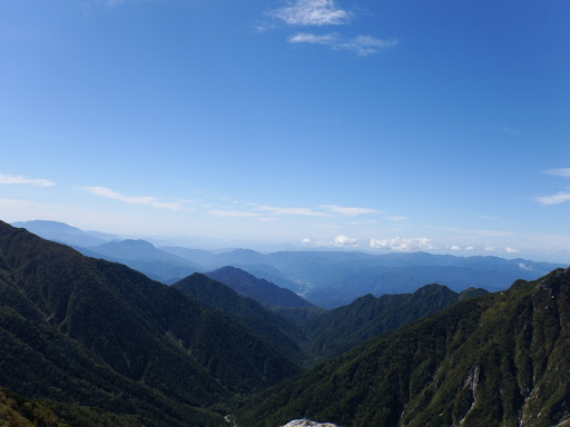 左から恵那山・南木曽岳・糸瀬山・蕎麦粒岳など