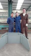 Photo: Yunga, Cristian y Luís con su proyecto de protecciones para puesto de soldadura