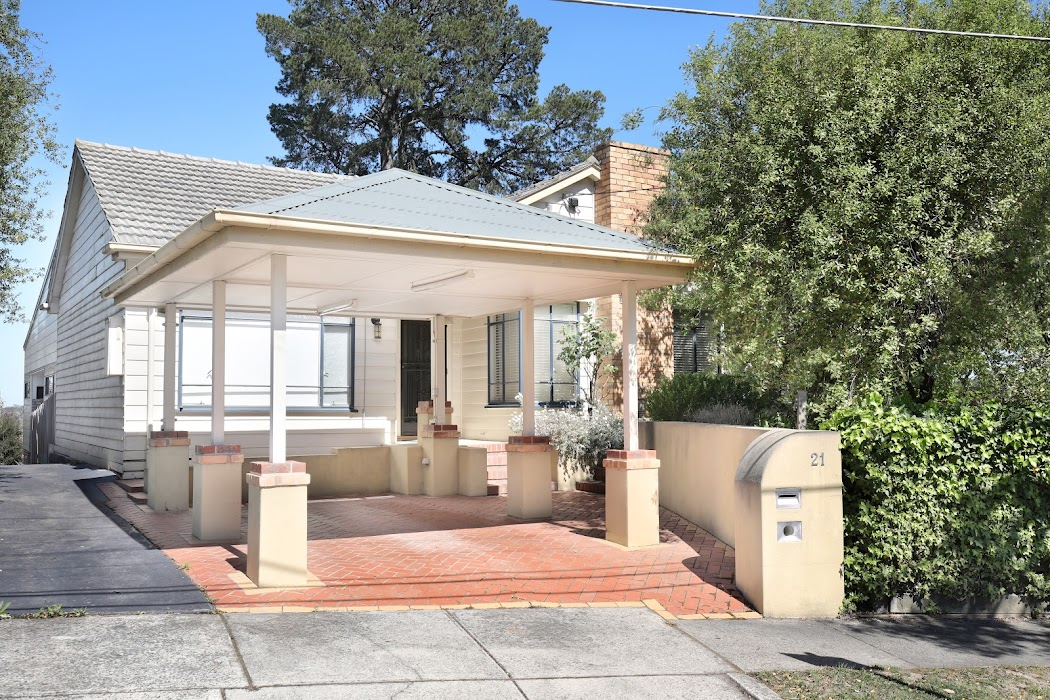 Main photo of property at 21 Braeside Avenue, Ringwood East 3135