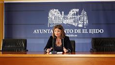 Luisa Barranco compareciendo en el Ayuntamiento.