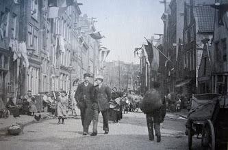 Photo: De Willemsstraat in 1898