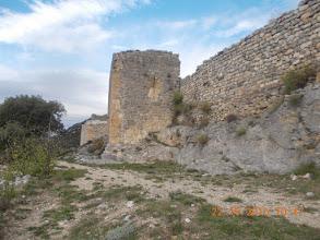 Photo: St Pierre- Tour de défense à l'entrée du Chateau