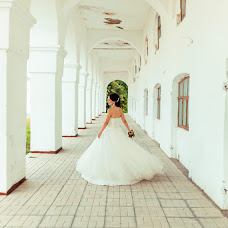 Wedding photographer Rinat Yamaev (izhairguns). Photo of 11.08.2014