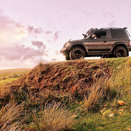 King of the hill by Gaz Barras - Transportation Automobiles (  )