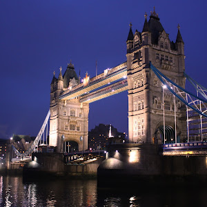 C:\Documents and Settings\shongololo\My Documents\My Pictures\Picasa\Exports\Viewbug 3\Tower bridge London.jpg