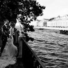 Wedding photographer Liza Karazhova (LizaKa). Photo of 25.01.2019