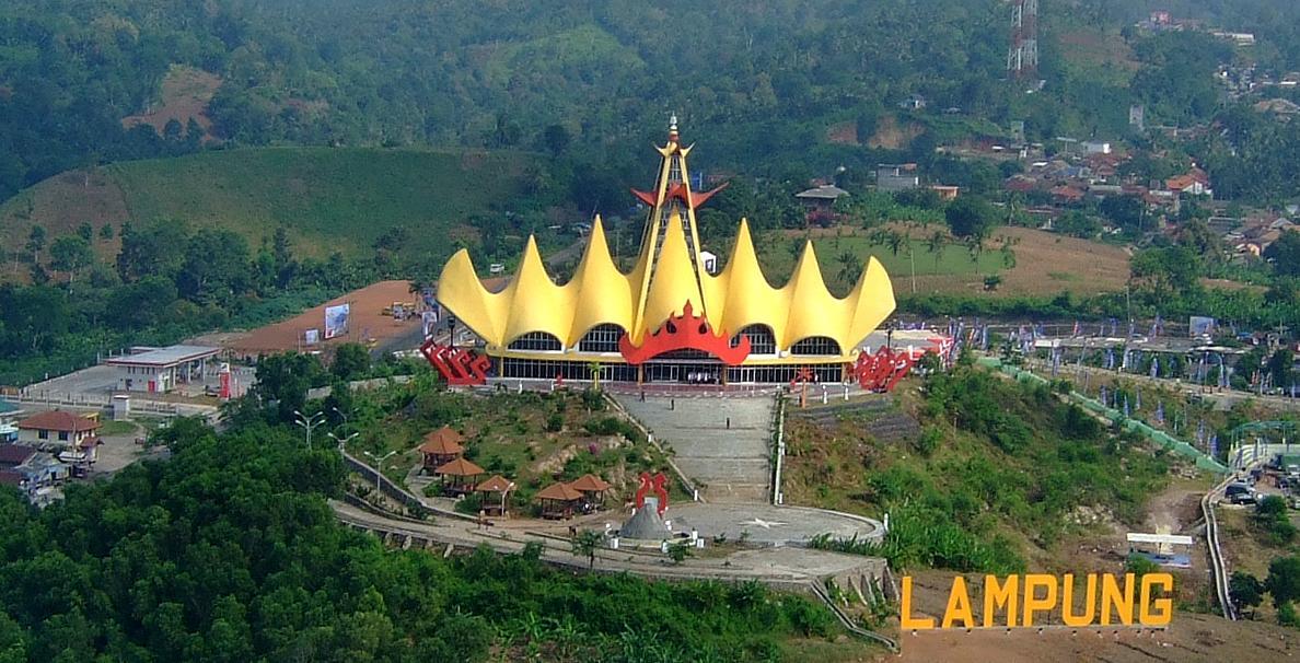 Menara Siger Moleknya Ikon Lampung di Atas Bukit - Lampung