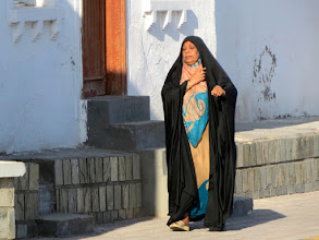Photo: Muscat - Mutrah, a woman in abaya