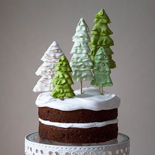 Holiday Winter Wonderland Cake - 7 Minute Frosting