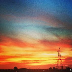 An evenin cant be more beautiful dan dis... In love wit the highway!!!! by Abul Faizy S M - Instagram & Mobile iPhone