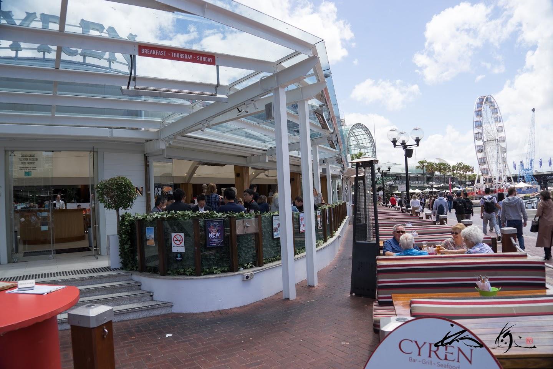 ダーリングハーバー沿いレストラン