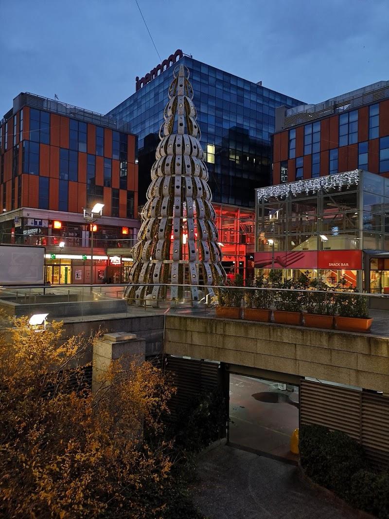 Natale al centro commerciale. di adriano_prandi