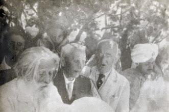 Photo: Тодор Стоименов в средата