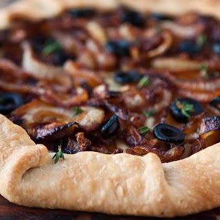 Caramelized Onion and Olive No Pan Pie.