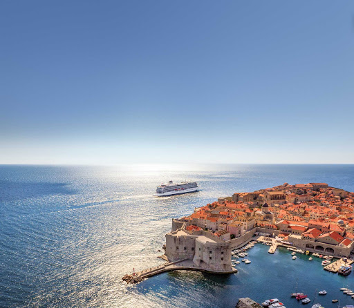 Viking-sea-dubrovnik-coastline.jpg - Viking Sea moored off the shimmering coastline of Dubrovnik, Croatia.